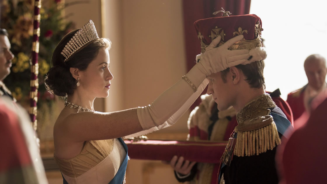 the-crown-season-1-and-2-review-02