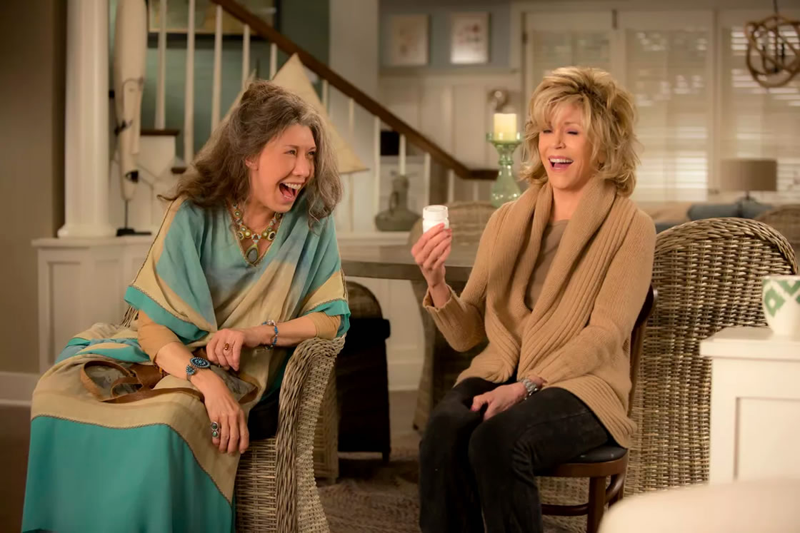 grace-and-frankie-season-1-4-review-02