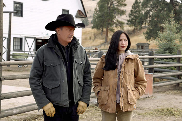 yellowstone-behind-us-only-grey-season-2-episode-8