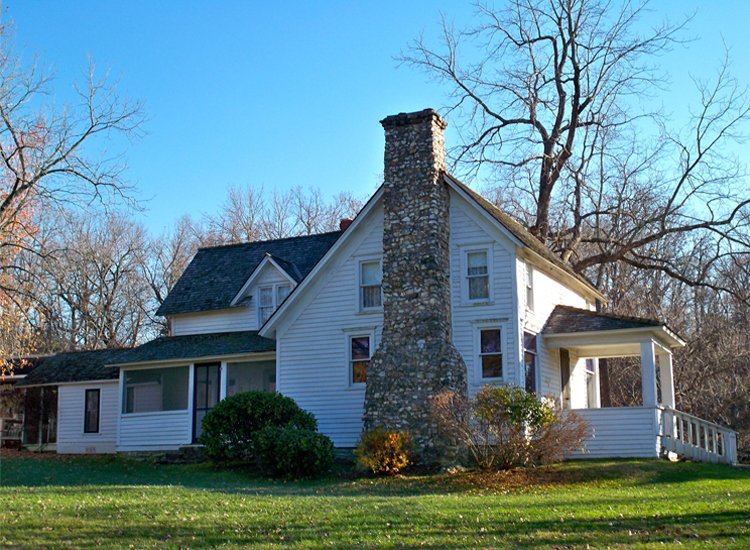 THE HISTORIC FARMHOUSE IN MANSFIELD, MISSOURI
